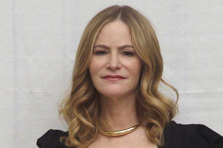 Jennifer Jason Leigh Plastic Surgery